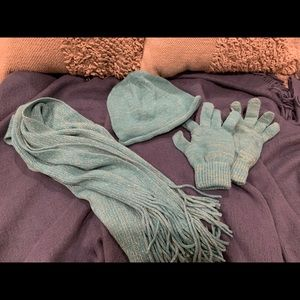 Accessories - Winter scarf, gloves, and hat set